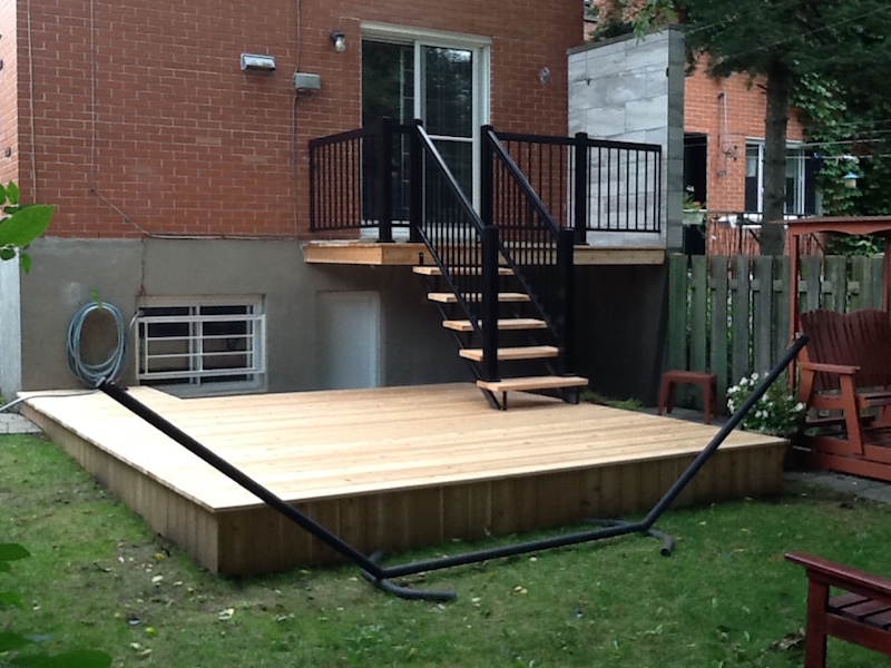 Construction de patio balcon ou terrasse go soumissions for Entrepreneur terrasse