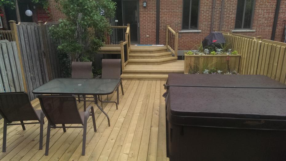 Boite a fleur en bois pour patio 20170701152043 for Entrepreneur terrasse